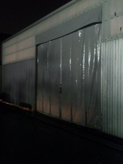 工場入口 芯材カーテン 両開き